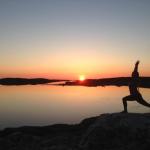 Yoga i solnedgång